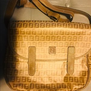 Vintage Fendi messengers bag 💼